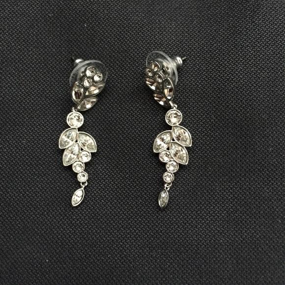 b5dc3f207 swarovski earrings. M_5aa44b4c05f4302b5918e347